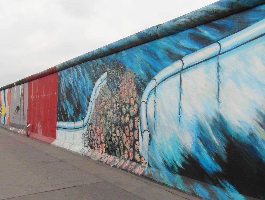 restanten van de Berlijnse muur East Side Gallery