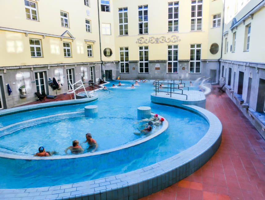 Lukacs baden Boedapest badhuizen