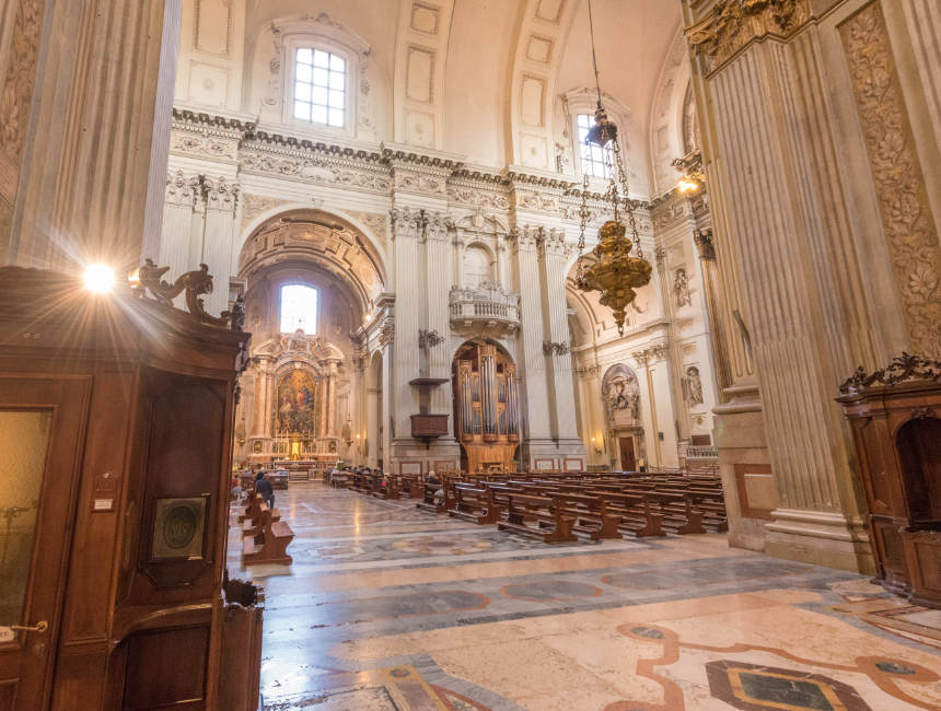 Cattedrale di San Pietro Bologna interieur kerken bologna