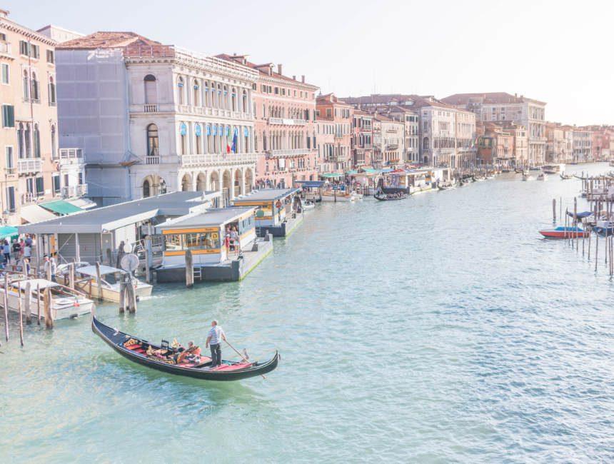 Gondelvaart Venetië