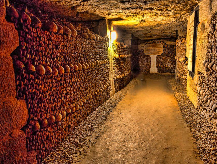 Ondergrondse gangen Parijs catacomben