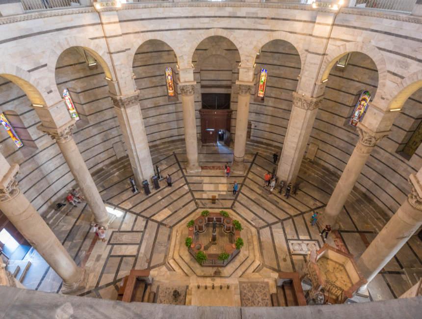 baptisterium pisa binnenkant