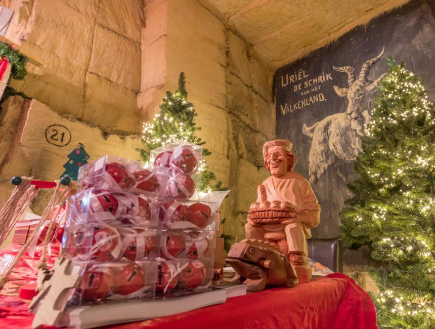 Fluweelengrot valkenburg kerstmarkt