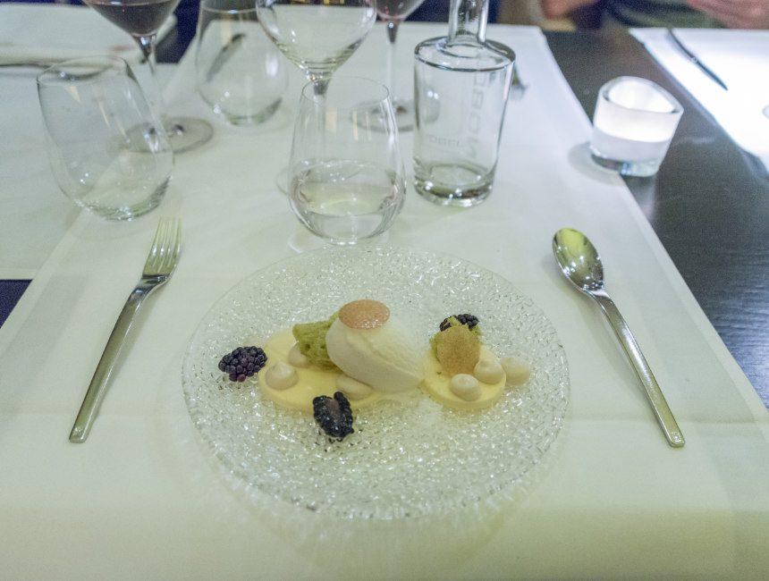 hotel restaurant nobel dessert