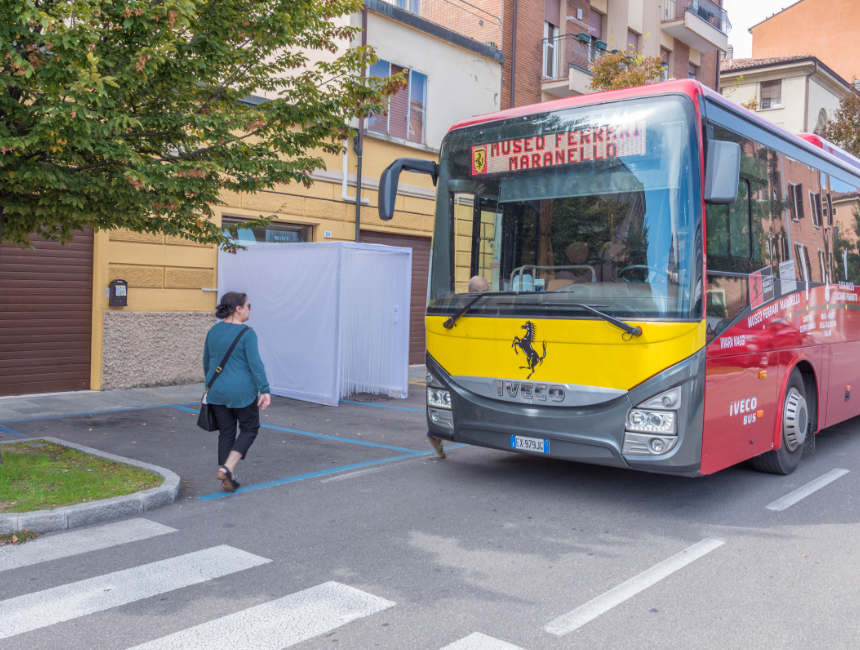 pendelbus ferrari museum modena en maranello openbaar vervoer