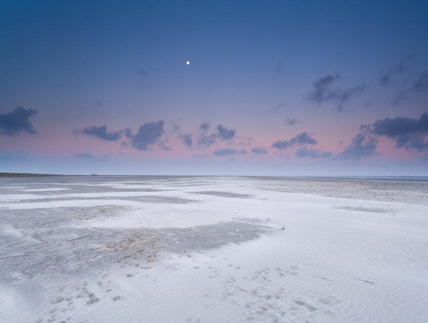 schiermonnikoog strand bezienswaardigheden