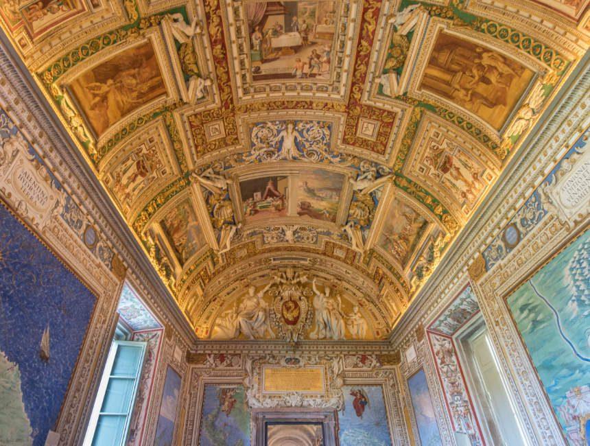 vaticaanstad bezienswaardigheden gouden plafond