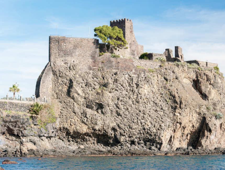 Aci Castello bezienswaardigheden omgeving catania