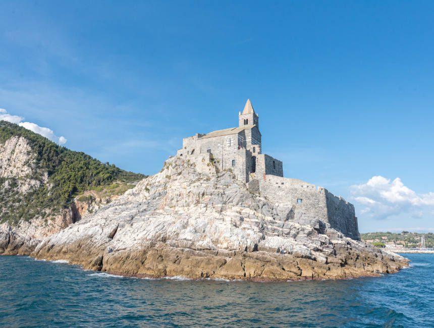 portovenere cinque terre kerk