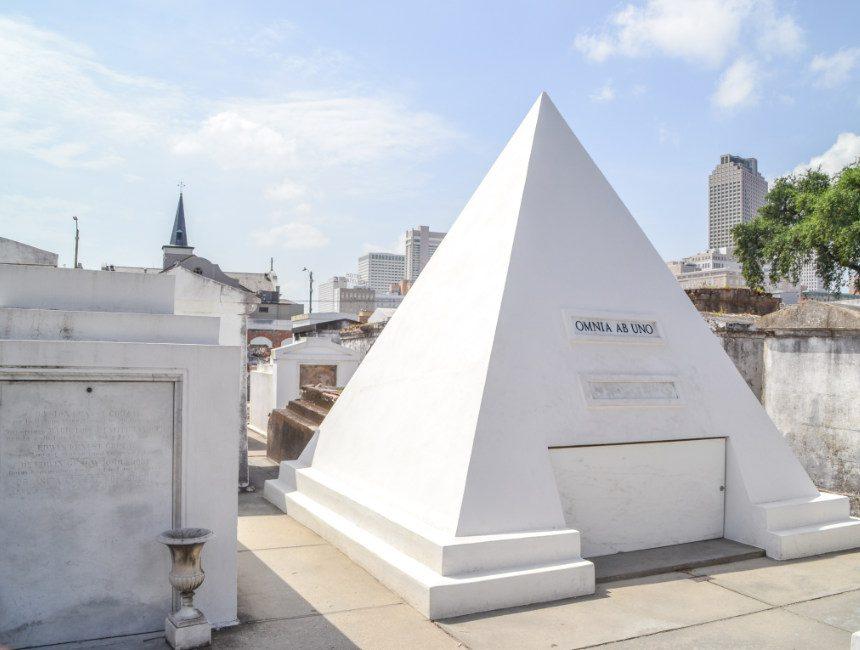 new orleans begraafplaats nicolas cage st louis cemetery no 1 piramide