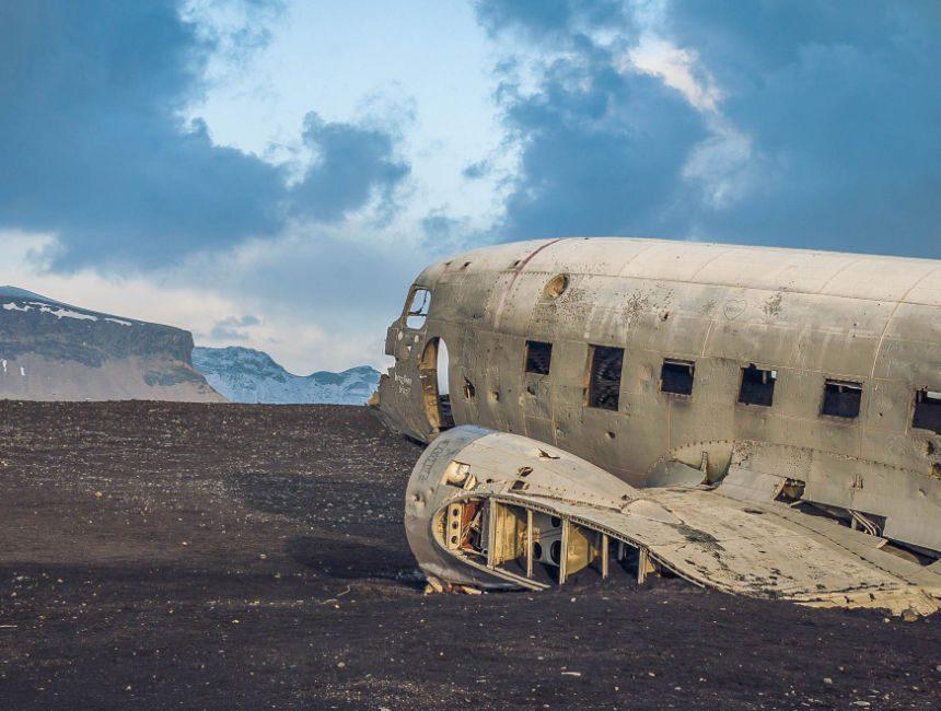 auto huren ijsland vliegtuigwrak