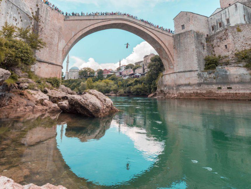 divers bridge of mostar