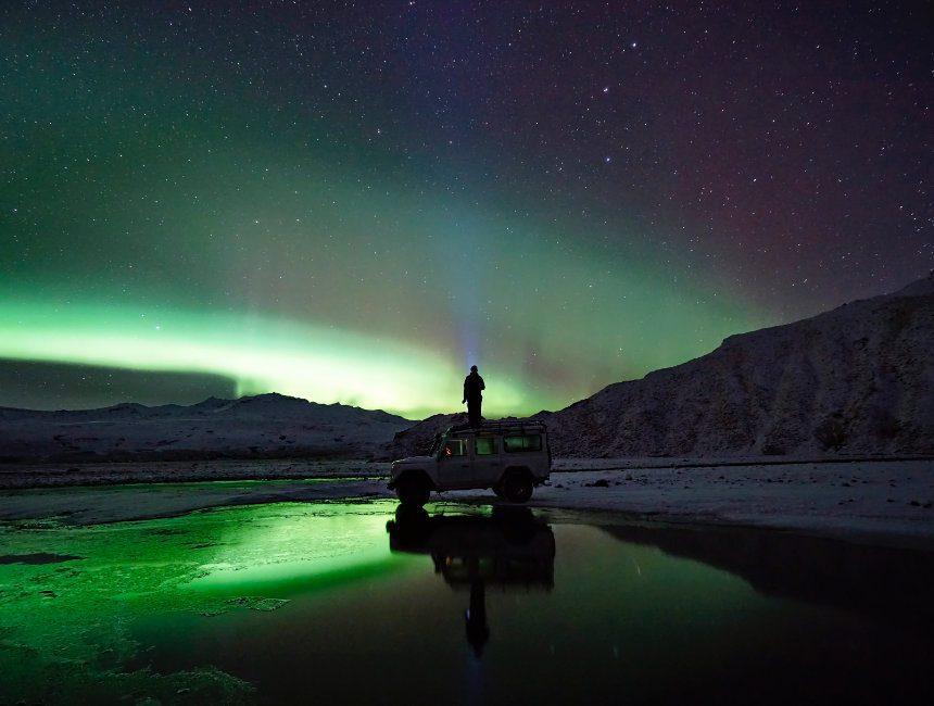 ijsland auto huren noorderlicht