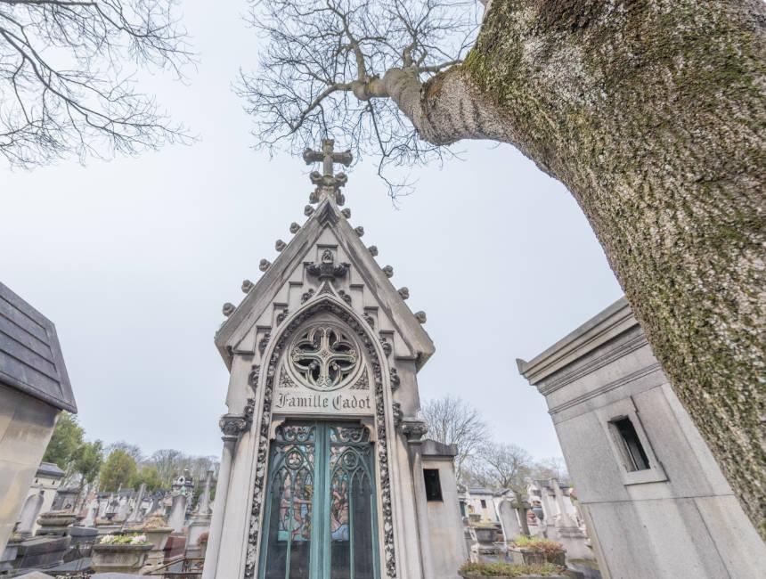 Beroemde Mensen In Parijs.Bekende Graven Op Pere Lachaise De Beroemde Begraafplaats