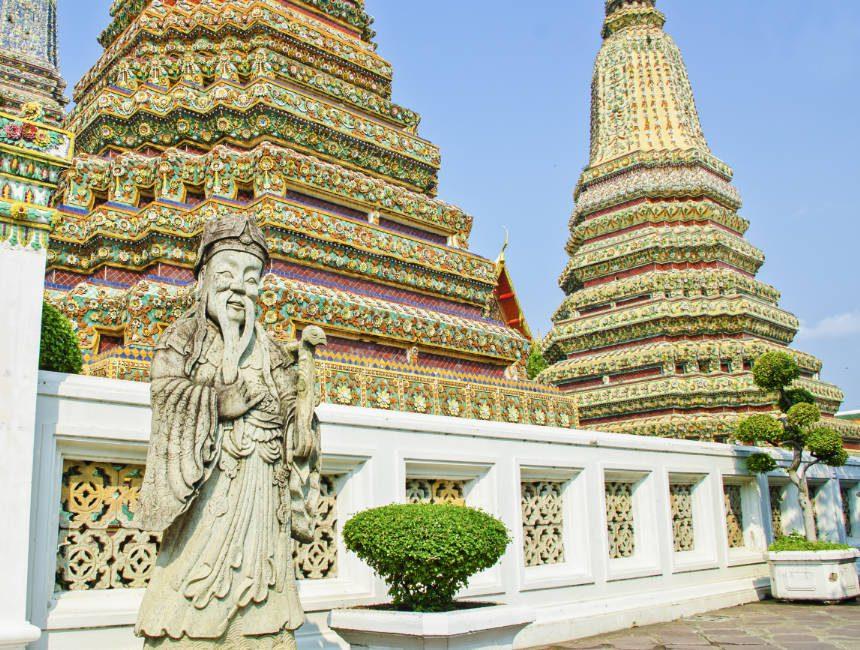 wat pho bangkok Phra Maha Chedi Si Rajakarn
