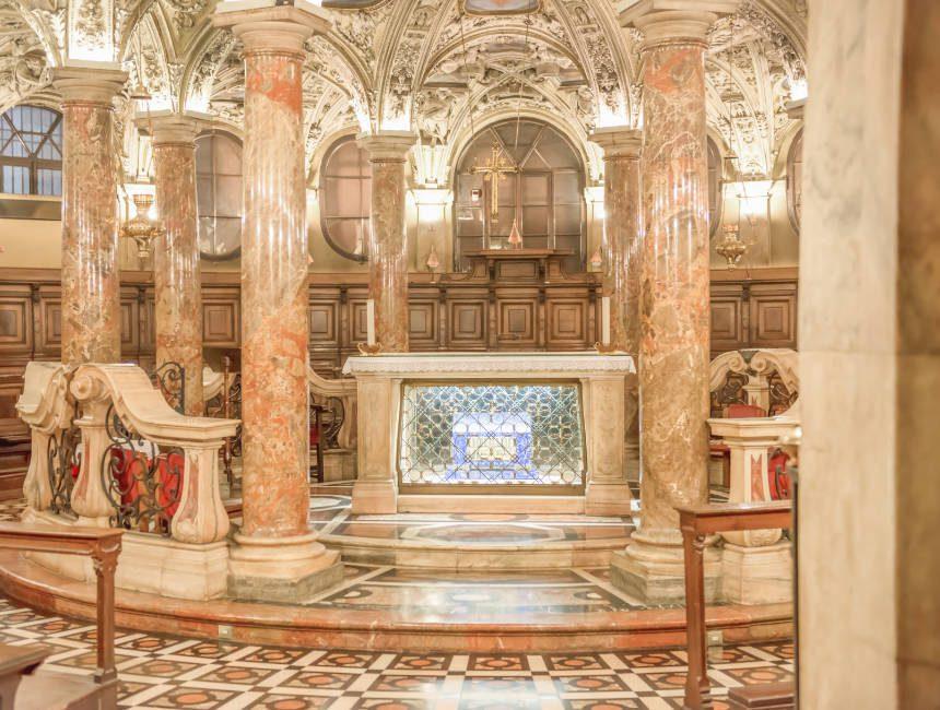 coro jemale crypte milaan kathedraal