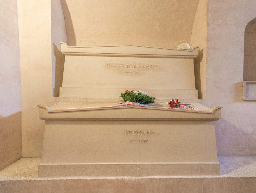 graf marie curie panthéon parijs