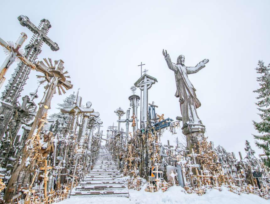 bezienswaardigheden Vilnius - heuvel van de kruisen