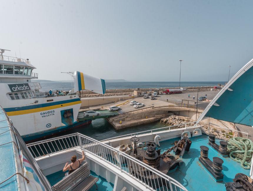 gozo channel ferry overzetboot auto malta