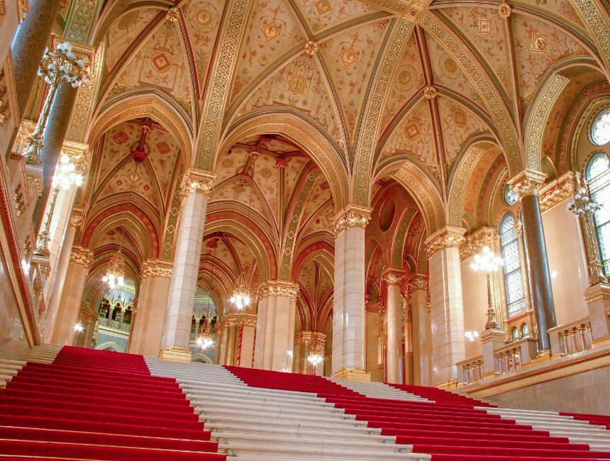 het parlement van boedapest bezoeken