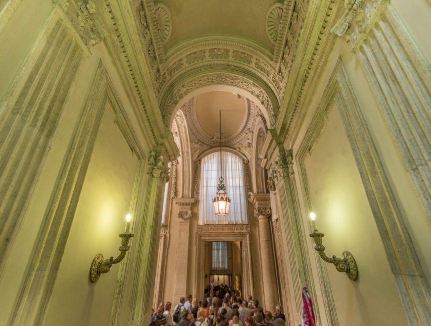 sixtijnse kapel gang naar sint pietersbasiliek