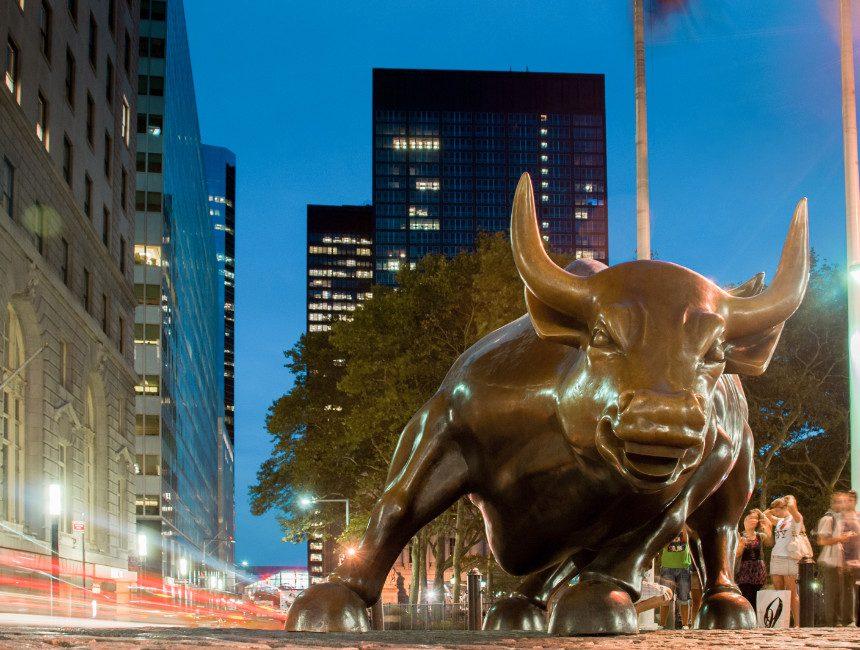 Wall Street stier Big Apple