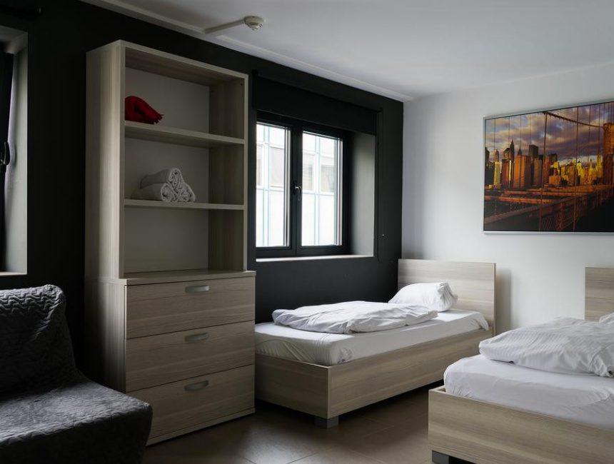 13 O-Clock Hostel