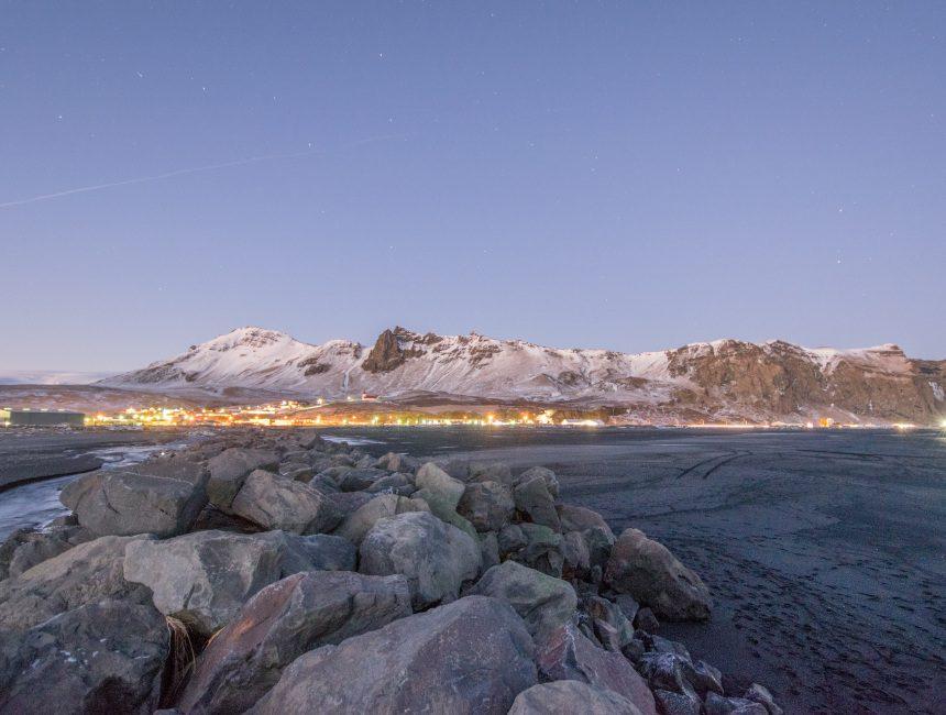 Reynisfjara strand IJsland rondreis