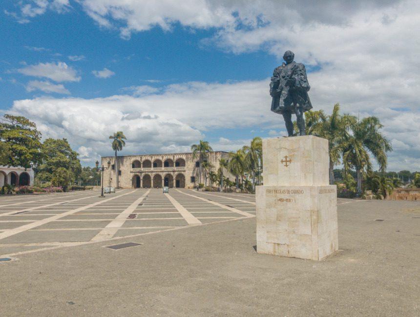 corona Dominicaanse Republiek plaza de espana
