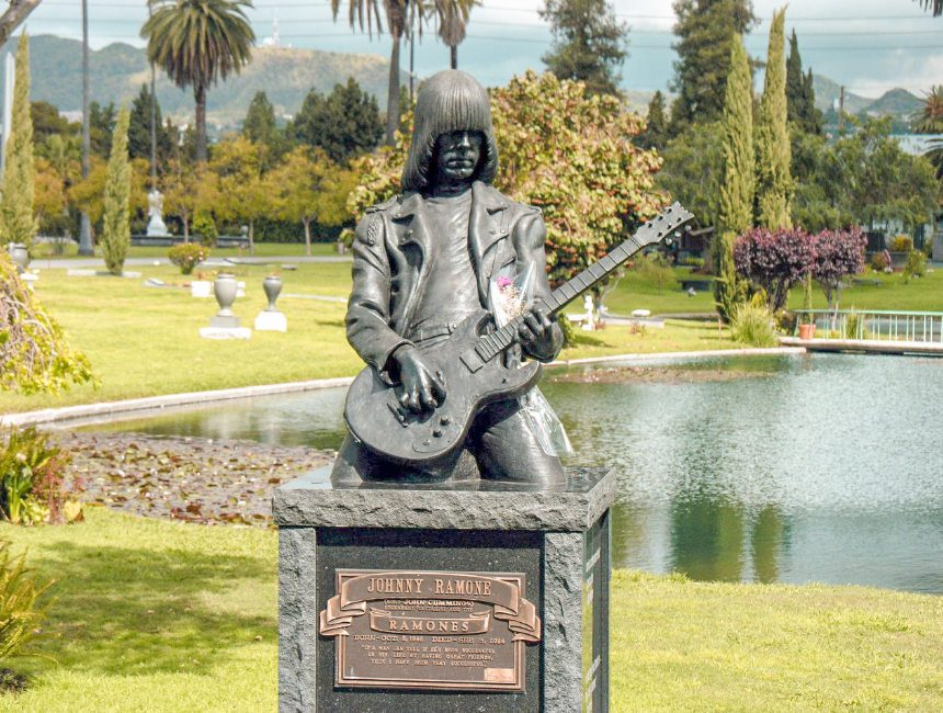 Johnny Ramone Hollywood forever cemetery
