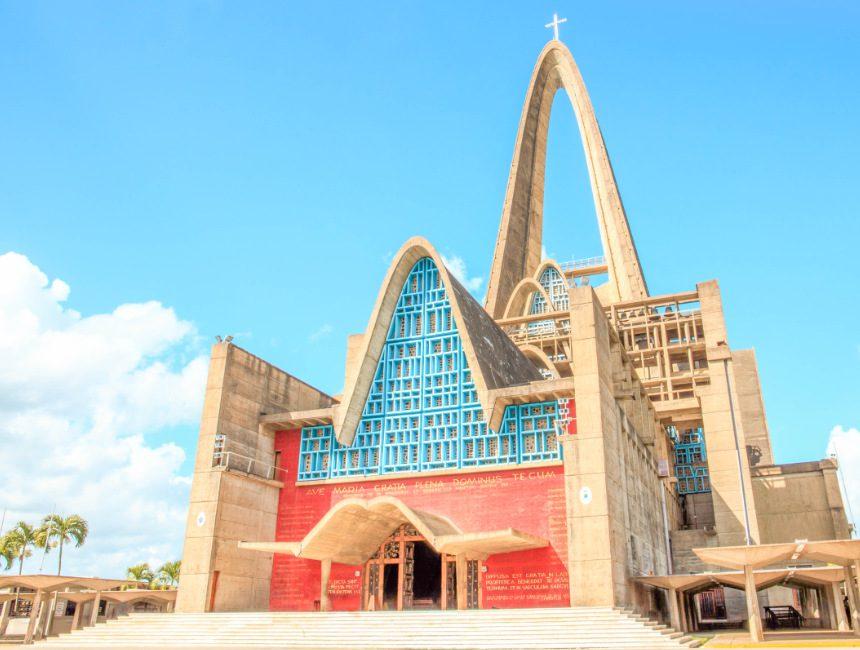 dagtrips dominicaanse republiek higuey kathedraal