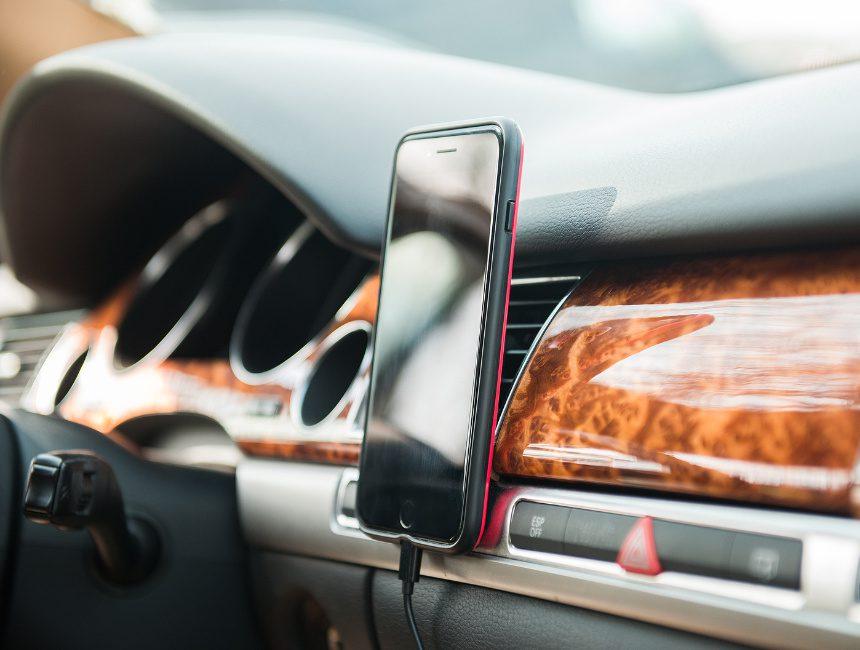 goede telefoonhouder auto