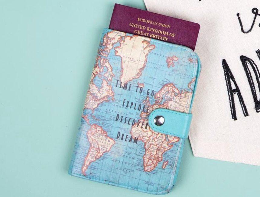Paspoorthoesje wereldkaart originele cadeaus voor reizigers