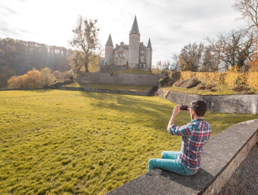 kasteel celles veves bezienswaardigheden in de buurt van Dinant