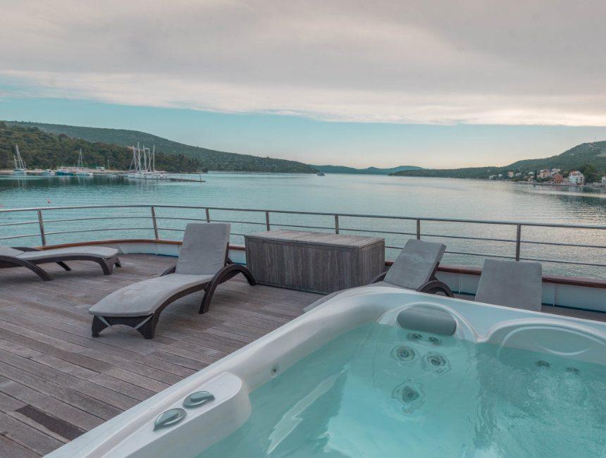 jacuzzi cruise boot kroatie