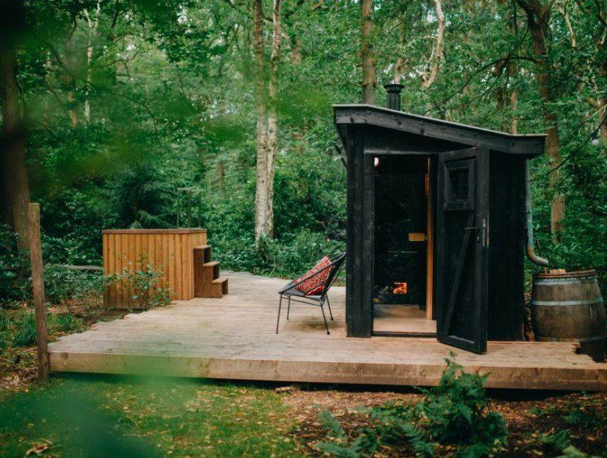 overnachten in het bos jaccuzzi sauna