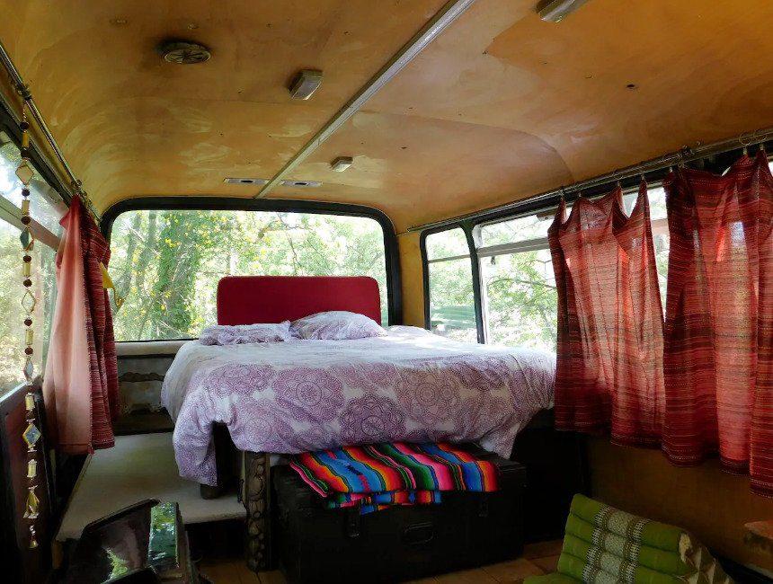 Chateaudouble airbnb legerbus