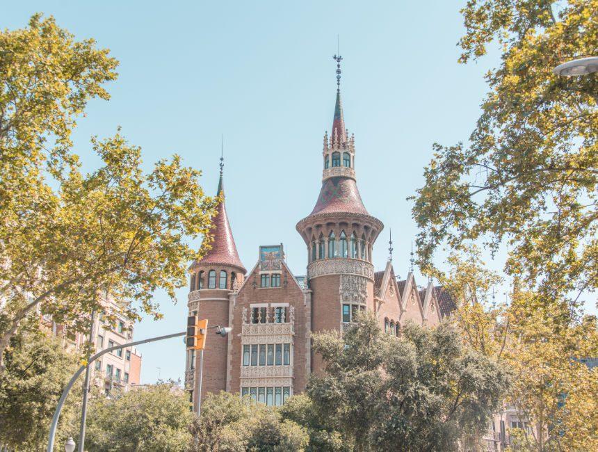 Casa de les Punxes bezienswaardigheden Barcelona
