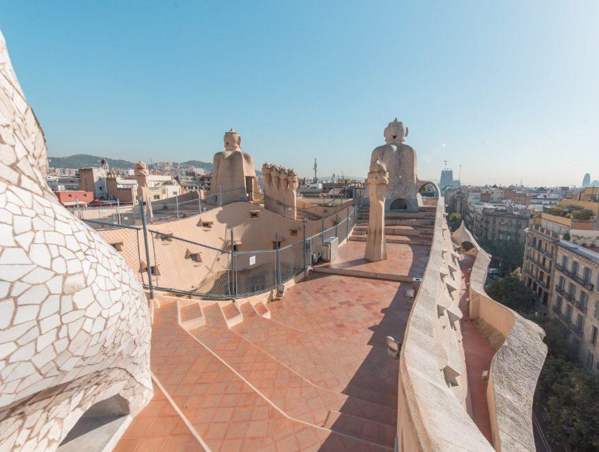 la pedrera huizen gaudi bezienswaardigheden barcelona