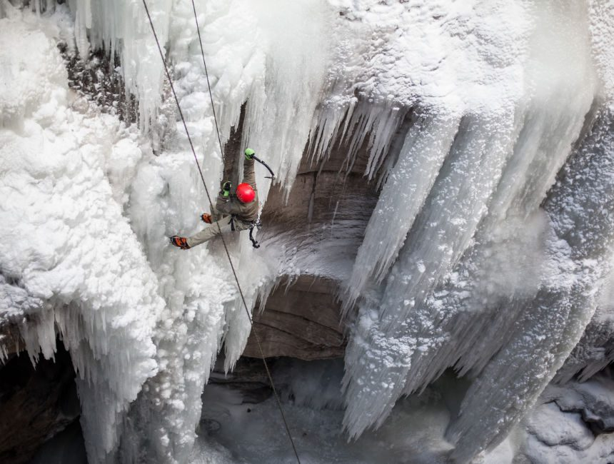wintersport canada ijsklimmen