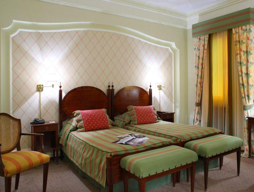 Lissabon Hotel As Janelas Verdes