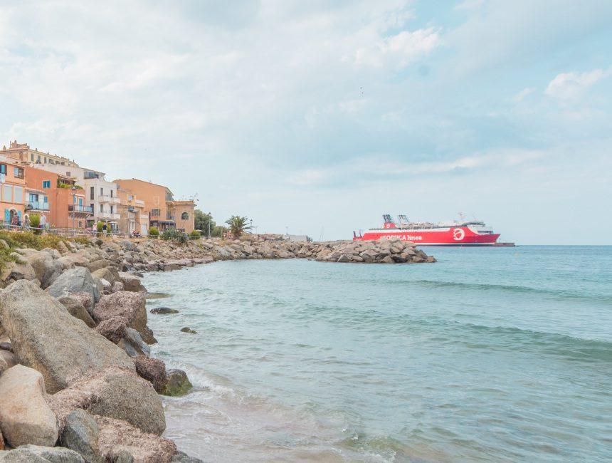 Corsica eigen vervoer overzetboot