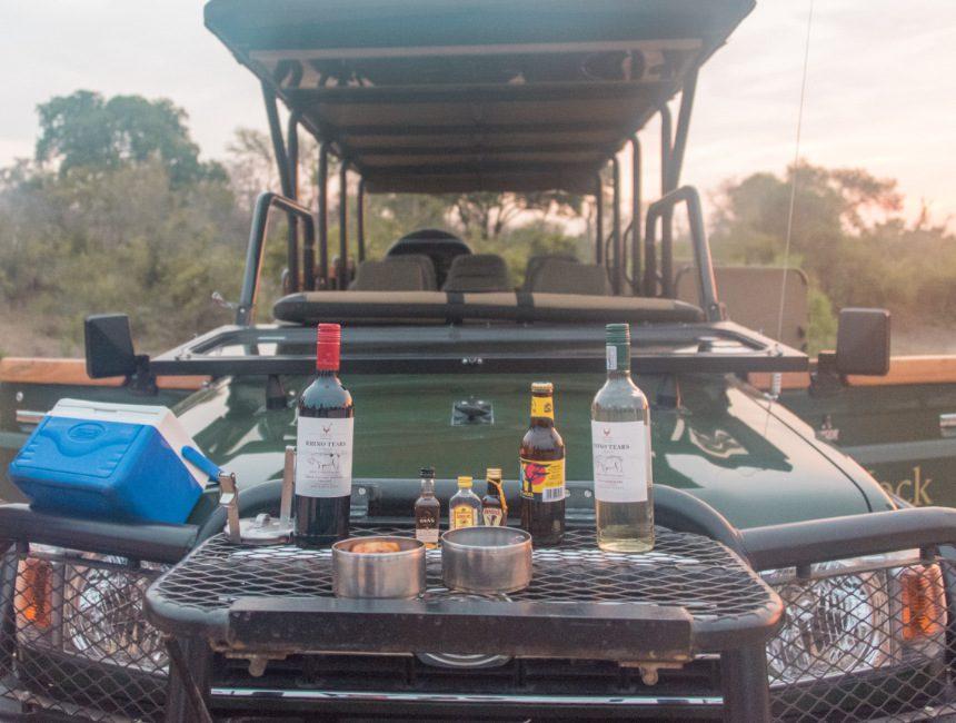 hapjes en drankjes safari jock