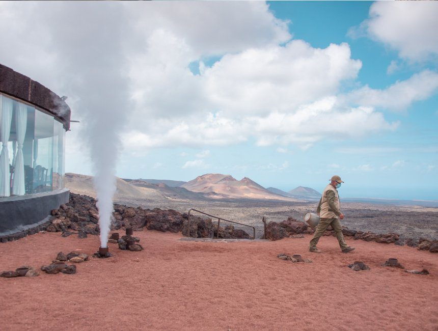 geothermische demonstraties Timanfaya Lanzarote bezienswaardigheden
